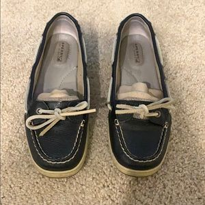 GETTING RID OF ASAP! Speech boat shoes size 8